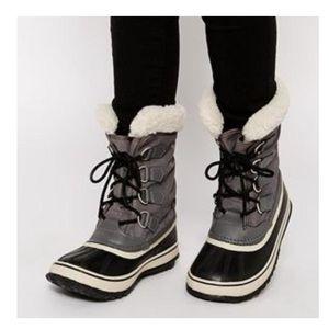 NWOT Sorel Grey Carnival Boot 🎡